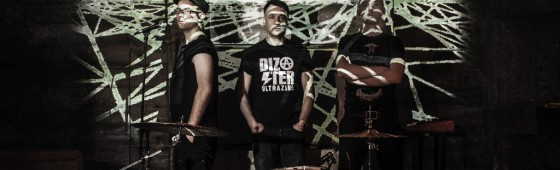 Dependent signs Polish electro trio Clicks